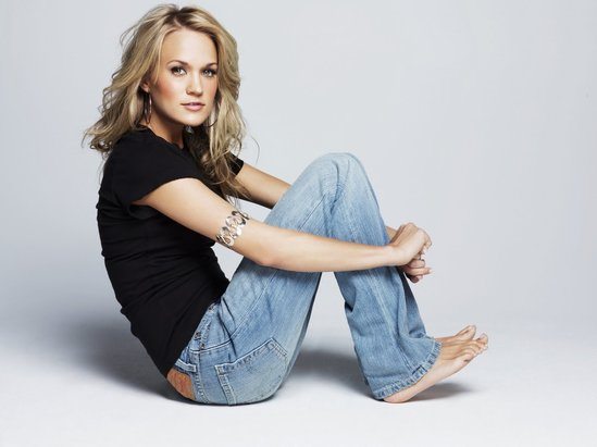 pics of carrie underwood feet